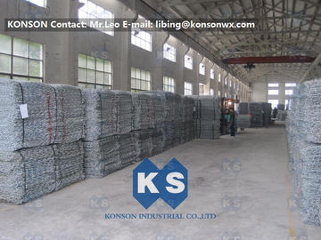 Çin PVC Coated Gabion Basket Filled With Stone , Electro Galvanized Gabion Box Fabrika